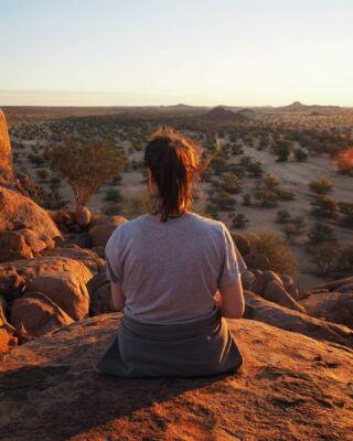 So many memories made. I will miss you dearly, Africa. 💔 . . . . .............................................................. #namibia #desert #travelafrica #africanature #natureguide #africanamazing #safari #shotsofafrica #roadtrip #naturephotography #capturethewild #africa #africanamazing #travelnamibia #desertsolitude #camping #namibiatravel #namibia🇳🇦#memories #damaraland #vastness #view #safariguide #feelingofhome #viewfromabove #desertvibes